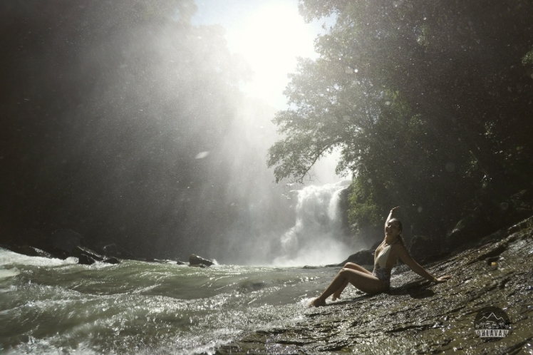 Ohlavan, Costa Rica, Pura Vida Mae, Dominical, Nauyaca, cascada, waterfall, adventure, roadtrip, campertruck, sunset