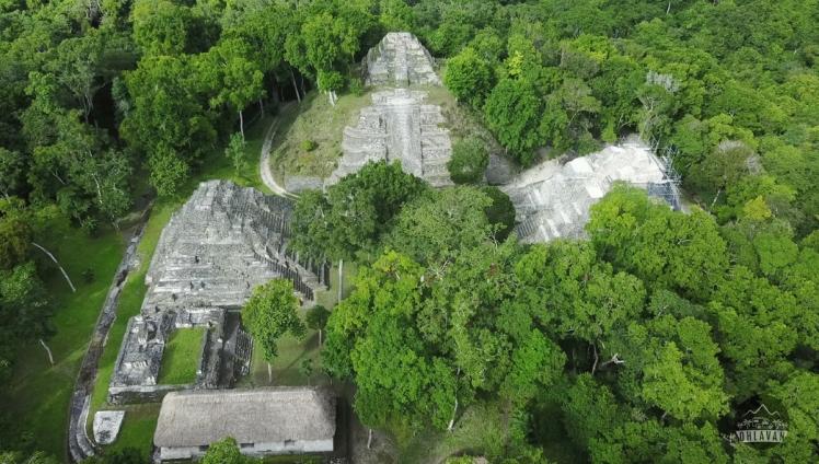 Ohlavan, roadtrip, truckcamper, adventure, Central America, Guatemala, Yaxhá, mayan, maya, ruin