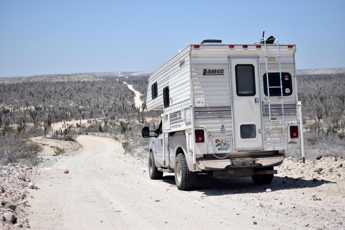 Ohlavan, truckcamper, truck, camper, Ford, F250, Lance camper, adventure, for sale, se vende