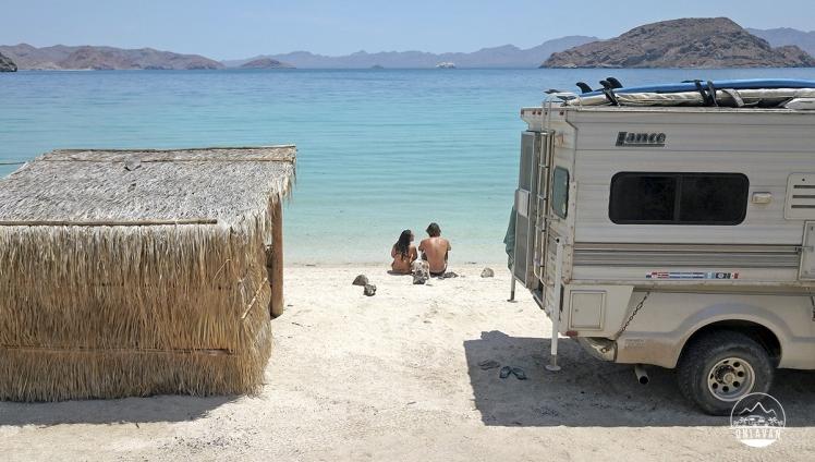 Ohlavan, truckcamper, overland, Central America, Panamericana, México, Baja California, Baja California Sur, Playa Coyote, Cortez Sea, beach, roadtrip, adventure, Basque, Haitian